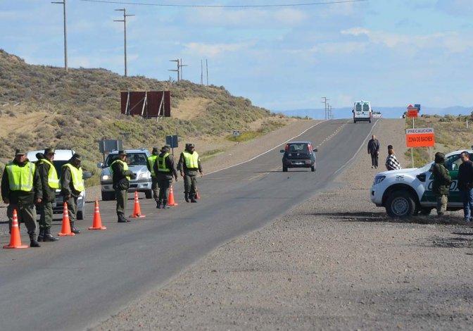 La Gendarmería tomó a partir de las 5 de ayer el control del acceso  norte a Caleta Olivia para disuadir cualquier intento de piquete.
