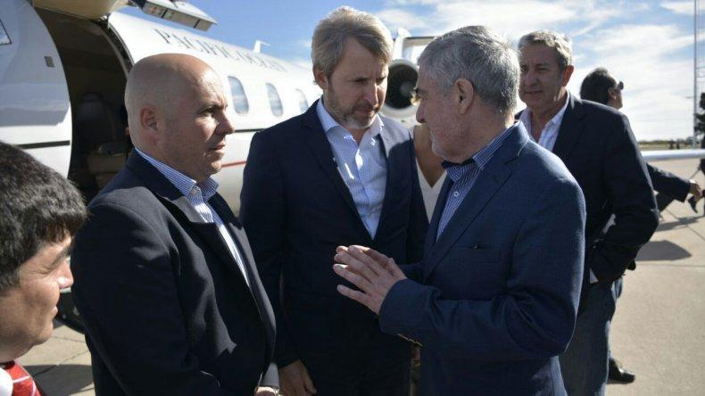 El ministro Rogelio Frigerio llegó a Chubut acompañado del senador Julio Cobos