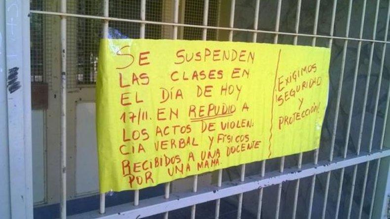 Suspendieron las clases por la golpiza de una mamá a la maestra