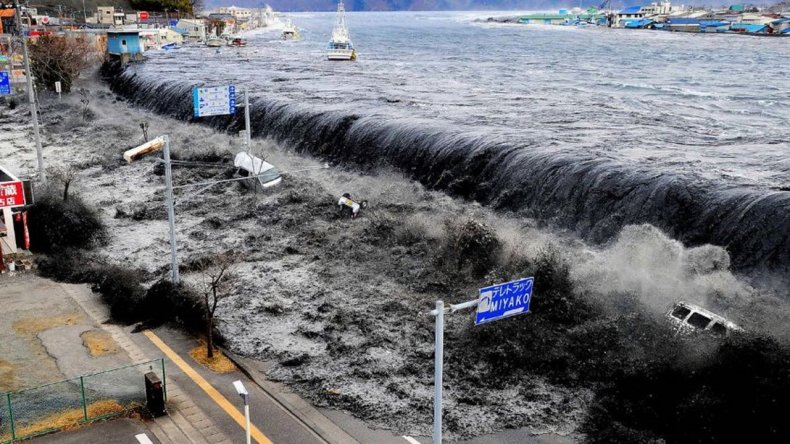 Japón se prepara para un tsunami con olas de más de 30 metros de alto