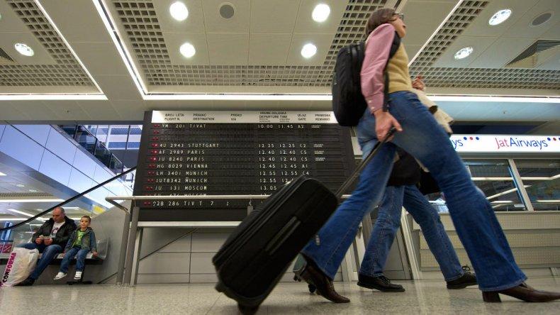 Los argentinos podrían necesitar visa para ir a Europa