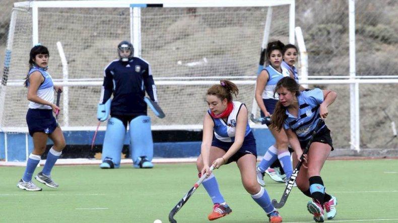 El torneo Clausura de hóckey campo conocerá esta tarde sus finalistas en cada una de sus categorías de la rama femenina.