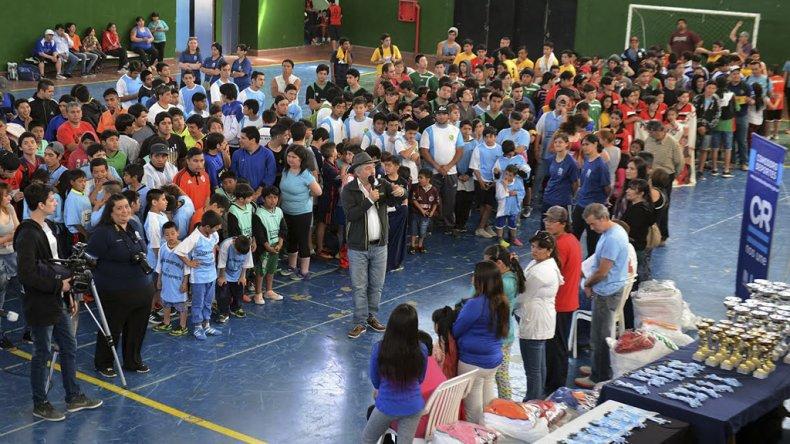 El acto de cierre de los Juegos Comunitarios tuvo lugar en el gimnasio municipal 3 Lito Gioino.