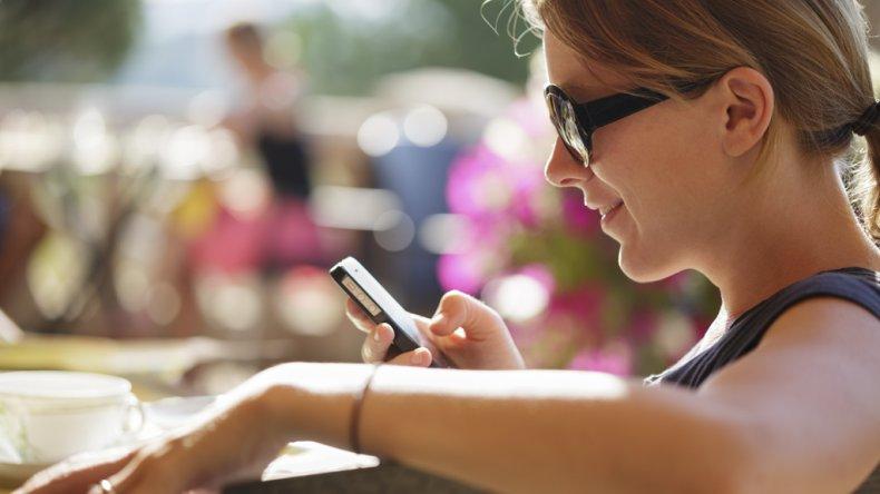 La telefonía móvil se consolida en el país frente a la telefonía fija.