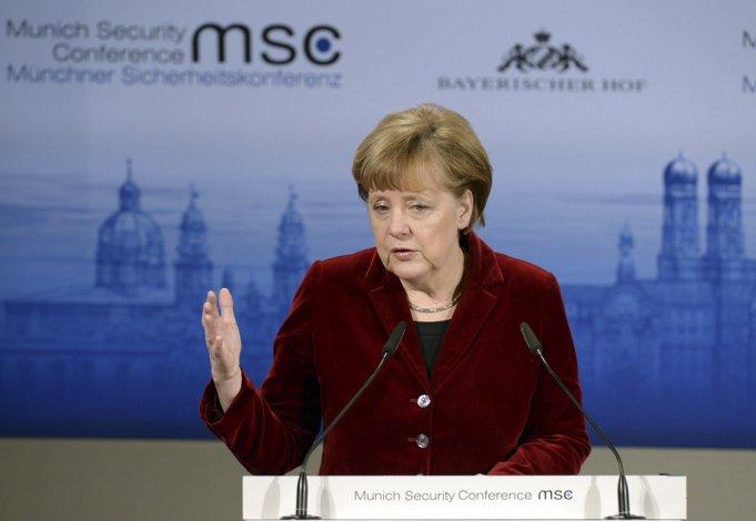 Angela Merkel anunció ayer su candidatura.