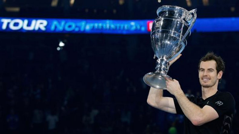 Andy Murray festejó por partida doble en Londres.