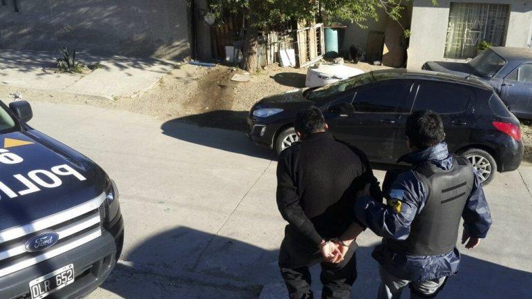 La detención de uno de los policías de Santa Cruz vinculados a la causa por narcotráfico.