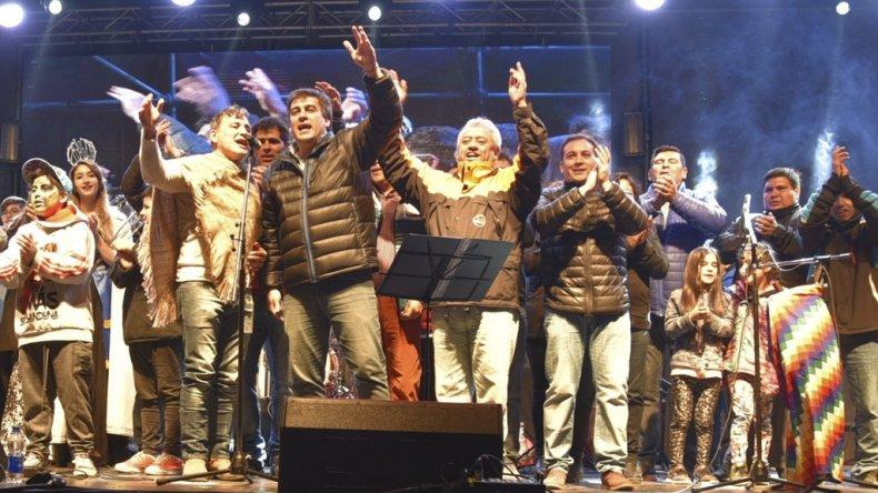 El intendente Facundo Prades junto a sus colaboradores