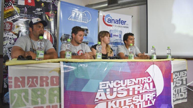 Referentes de la Asociación Austral junto al municipio presentaron el Encuentro Austral de Kitesurf.