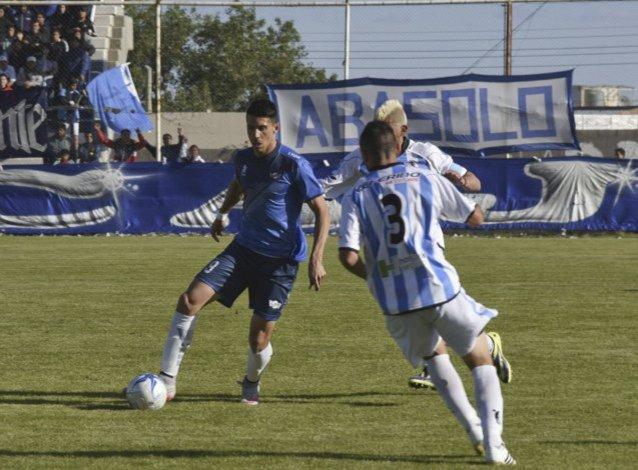 El rosarino Mauro Villegas marcó el domingo uno de los dos goles en la victoria de Newbery ante Sol de Mayo.