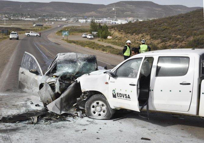 Automovilista chocó de frente contra camioneta y murió calcinado