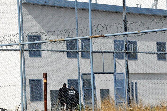 Sigue prófugo uno de los condenados que cumplían prisión domiciliaria por falta de inodoros