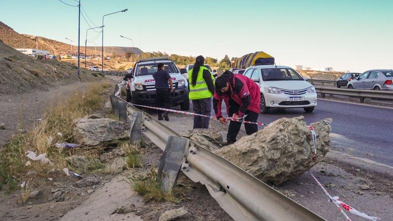Se desprendieron rocas del Chenque y cayeron en Ruta 3