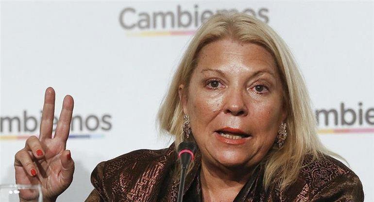 La diputada de la Coalición Cívica sigue en su embestida contra algunos funcionarios e integrantes del frente Cambiemos.