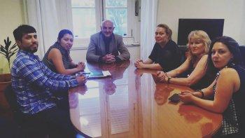 El ministro de Gobierno, Rafael Williams, se reunió con Alika Kinan, víctima y querellante de trata de personas.