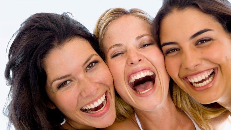 Aseguran que el cerebro de las mujeres es más eficiente