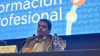 gobierno acordo con empresarios y gremios frenar despidos
