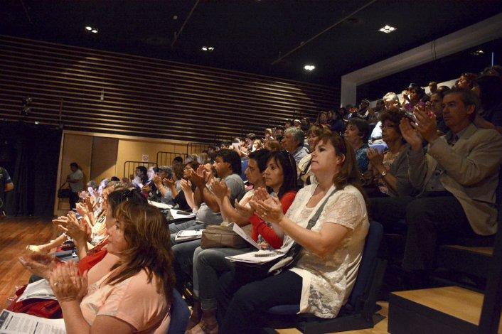 Los asistentes al lanzamiento coparon el auditorio del Centro Cultural.