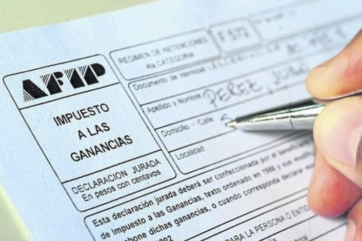 Das Neves pide que la Provincia reciba en el reparto de los fondos de Ganancias un porcentaje equivalente a lo que se le descuenta por ese gravamen a los trabajadores chubutenses.