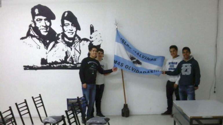 Se inauguró  la sala de conferencias y estudios de Malvinas en la Escuela 723