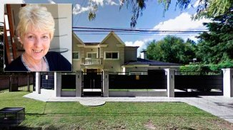 Investigan a la familia de la mujer asesinada en su mansión