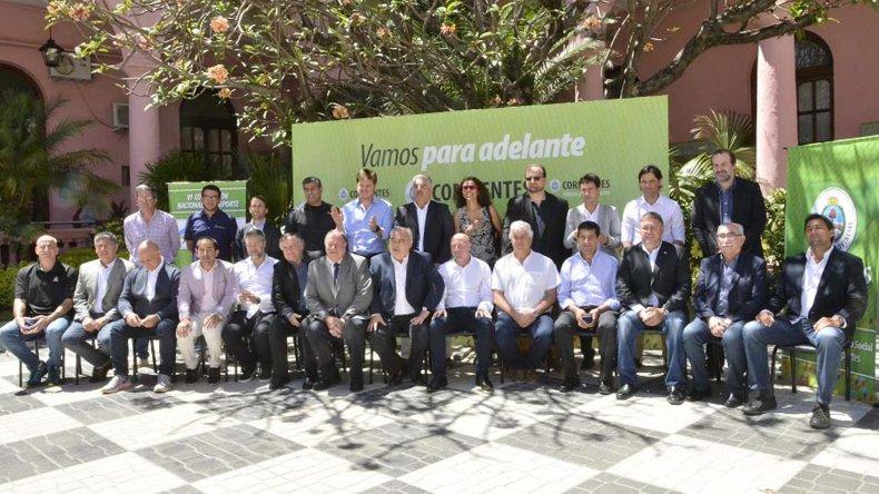 Todas las autoridades que formaron parte del encuentro desarrollado en Corrientes.
