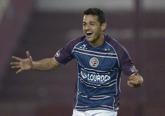 Lautaro Acosta será esta tarde uno de los delanteros en el ataque granate.