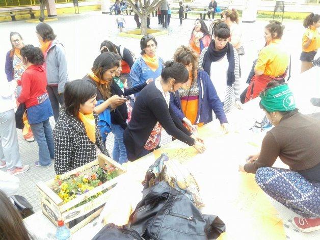 Plantaron 38 plantines, uno por cada femicidio ocurrido en Chubut