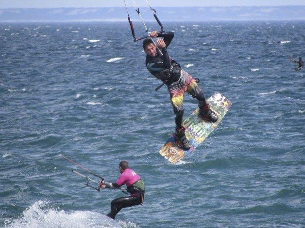 La adrenalina y el viento se combinan durante este fin de semana con el Encuentro Austral de Kitesurf.