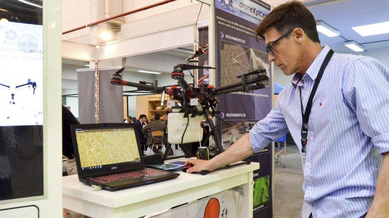 La tecnología de vanguardia marca presencia en la III Expo Industrial