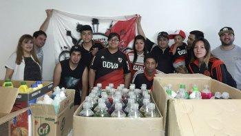 Los simpatizantes de River entregaron el martes donaciones para los hospitales Regional y Alvear.