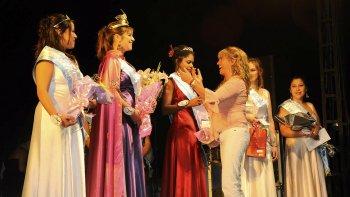 La elección de la reina de la Fruta Fina efectuada este año representó la última.