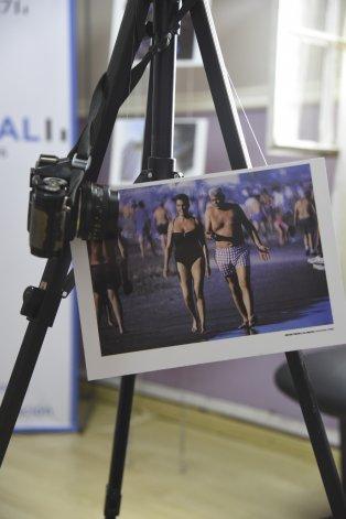 Una serie de fotografías de la carrera del reportero gráfico José Luis Cabezas integra la muestra itinerante.
