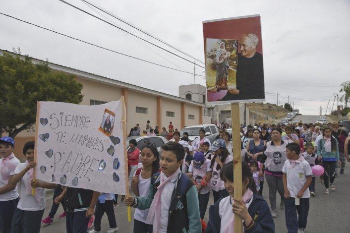 Cerca de 200 personas rindieron homenaje al Padre Corti con un acto