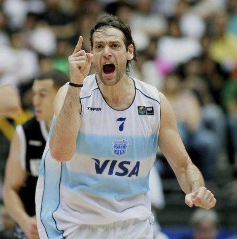 El ex jugador de la selección argentina Fabricio Oberto estará hoy en Comodoro Rivadavia.