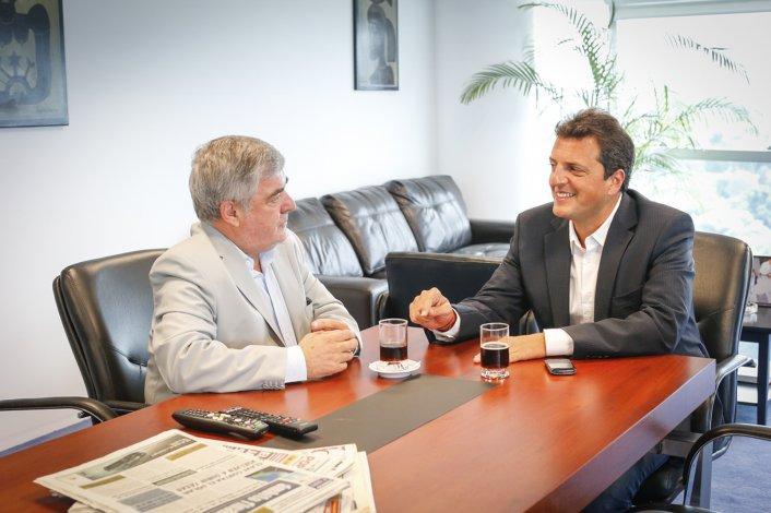 El diputado nacional Sergio Massa ratificó el apoyo de los diputados de UNA en la pelea de Chubut por mantener el barrio criollo.