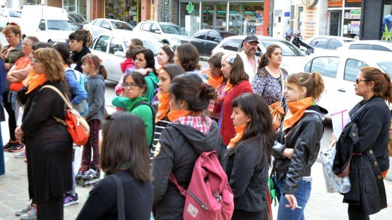 Comodoro en el Día Internacional contra la Violencia hacia la Mujer