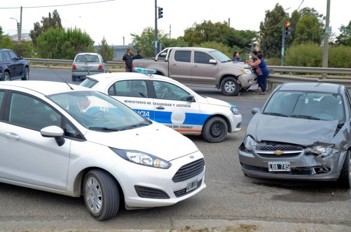 Un triple choque generó complicaciones en el tránsito de la Ruta 3 en Mosconi