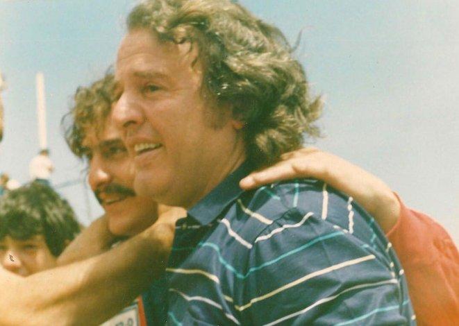 Alejandro junto a su papá Alfonso
