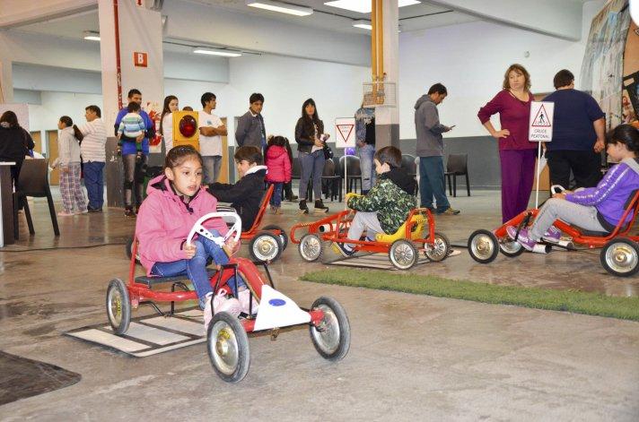 La III Expo Industrial se muestra como un paseo para toda la familia con diferentes actividades que permiten disfrutar de una tarde diferente.