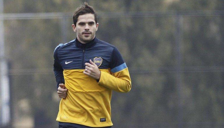 Fernando Gago reaparecerá esta tarde como titular en la formación de Boca.