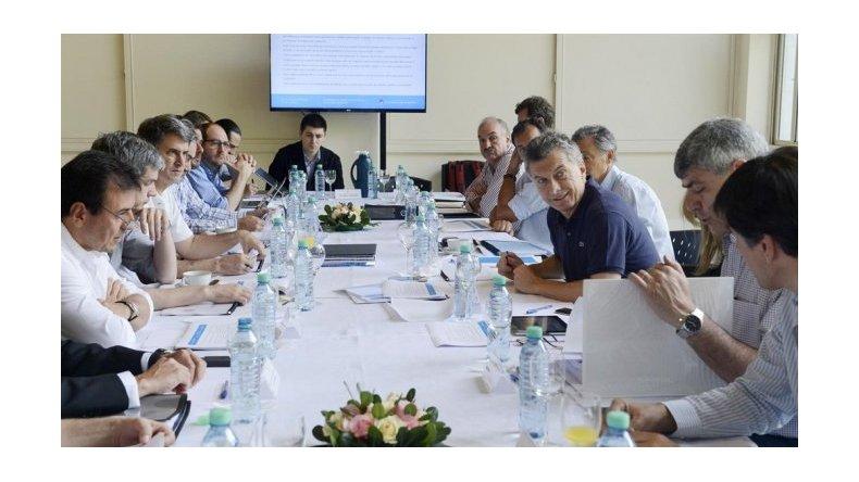 Macri lleva a sus ministros a un retiro para definir si hace un acuerdo con el PJ en 2017