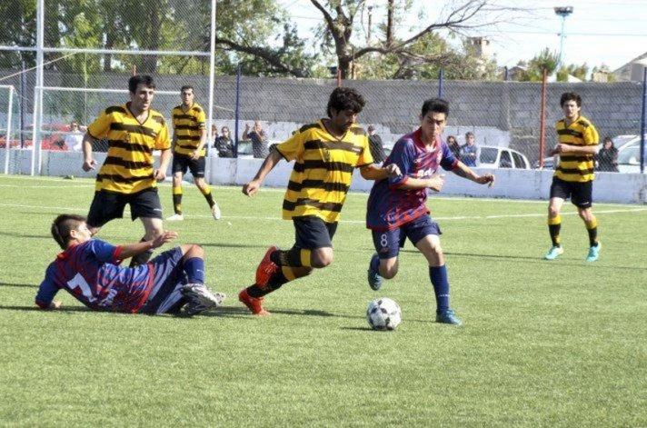 Los partidos del fútbol local se jugarán normalmente hoy