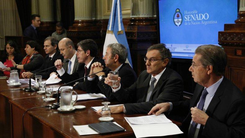 El trabajo de la Comisión de Hacienda del Senado.