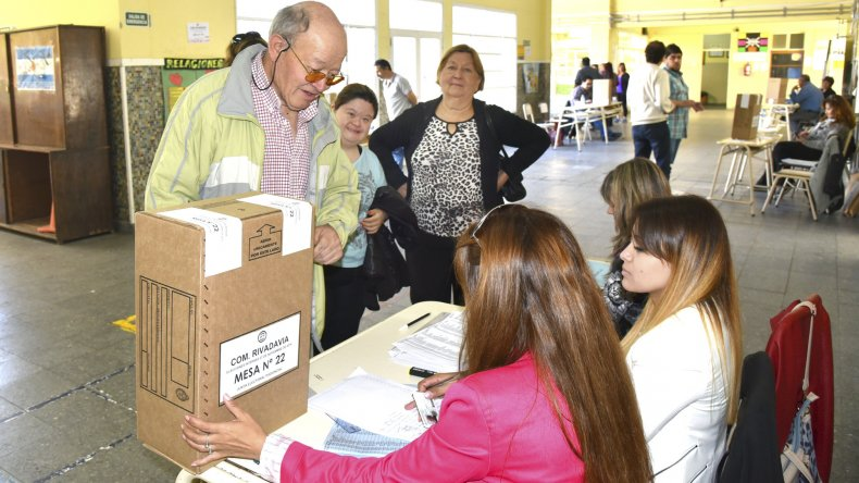 A las elecciones celebradas en la Escuela 1 concurrieron muy pocos afiliados.