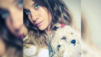 una joven fue plantada en el altar y se caso con su perra