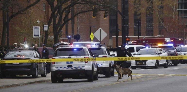 La policía acordona el lugar donde se produjo el ataque.