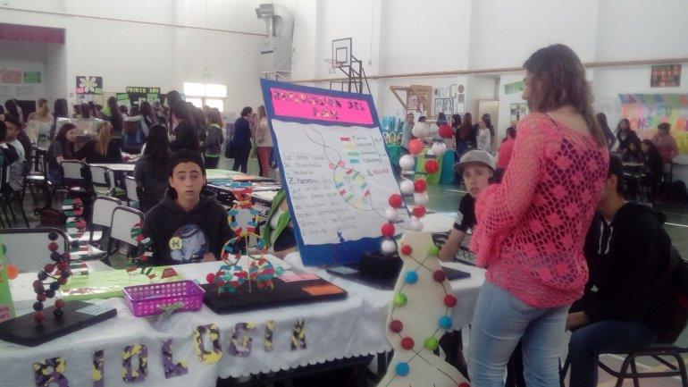 La Escuela 743 presentó una muestra anual con los trabajos de sus alumnos