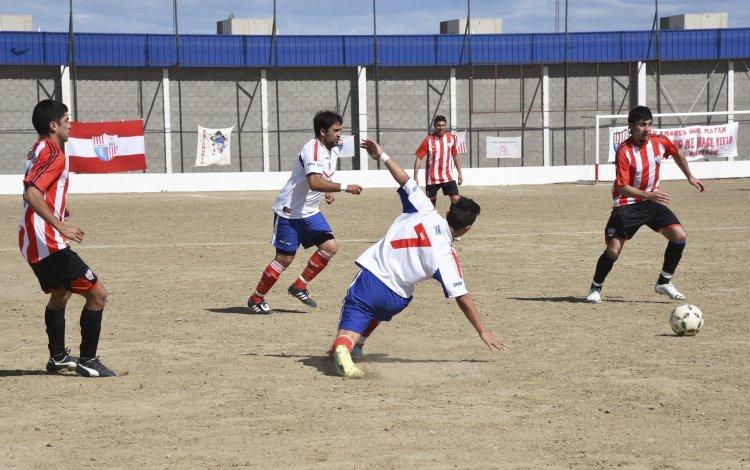 General Roca se despidió de la B con triunfo por 2 a 0 ante Diadema que debe jugar la permanencia con Tiro Federal.