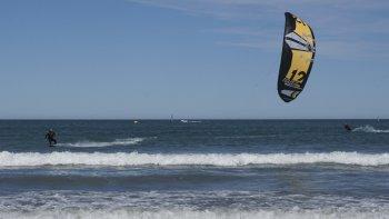 El kitesurf es un deporte reconocido como olímpico desde 2012.